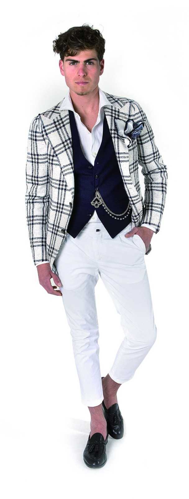 Tagliatore本季主推的超轻、无衬里格纹西装外套