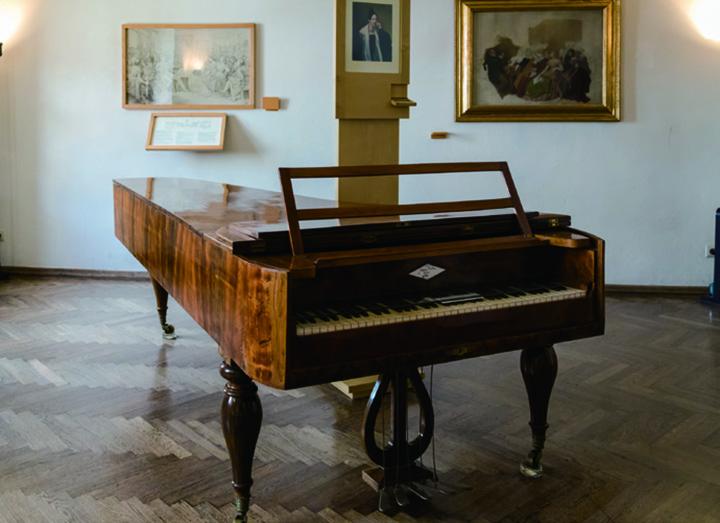 舒伯特弹过的钢琴