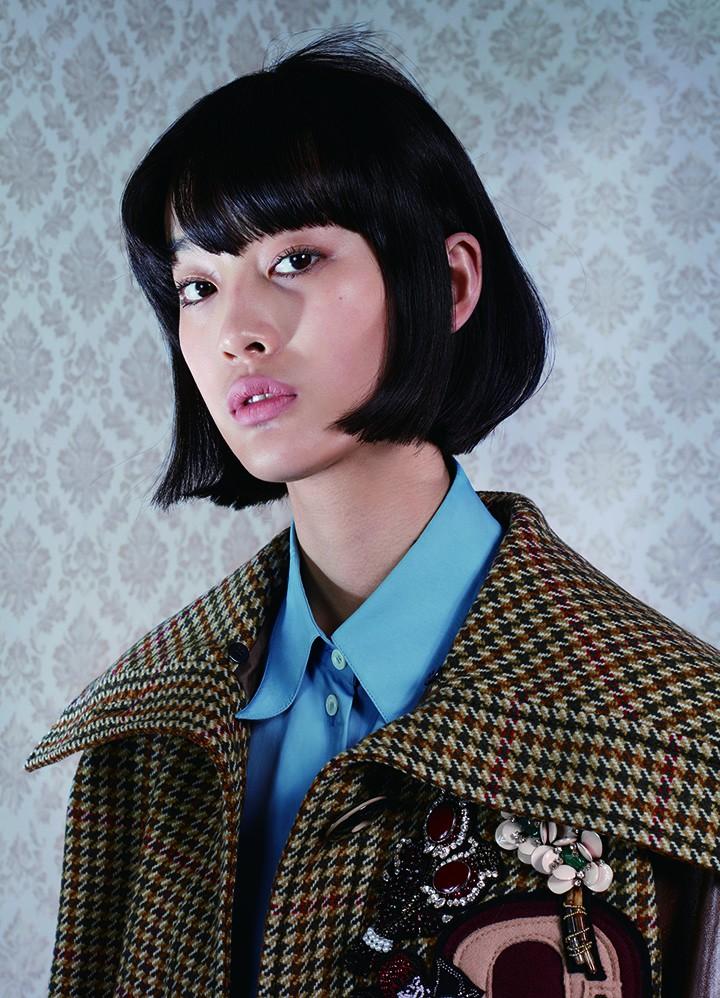 MiuMiu 棕色拼接短外套 Céline 蓝色衬衫
