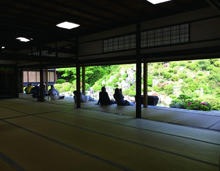 与京都四季为邻的智积院,以茶圣利休之庭而闻名
