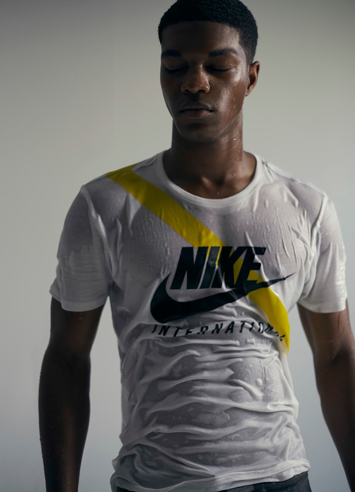 Nike 白色印花T恤