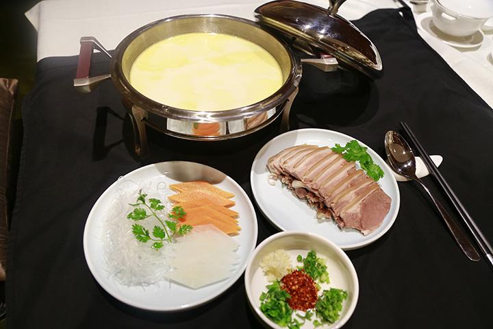 蘸水内蒙羊肉汤
