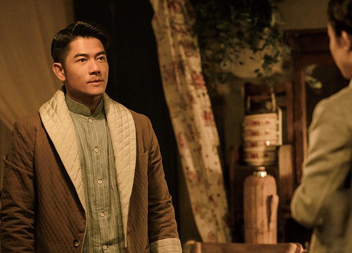 郭富城在电影《密战》中饰演有着裁缝身份的地下党员