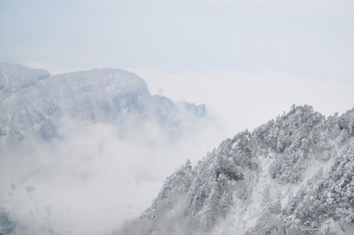"""雪舞恋歌:寻找冬日里的""""冻""""人美景"""