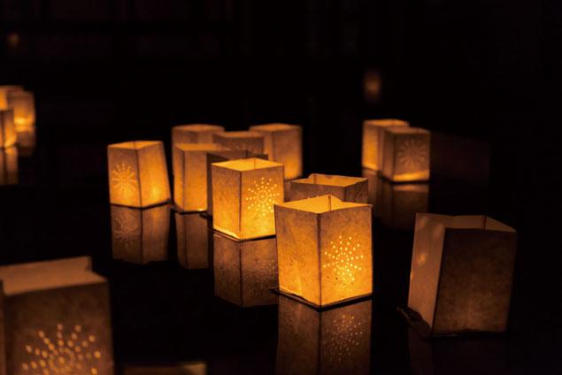 夜里可以点一盏许愿灯,让心愿被大自然听到