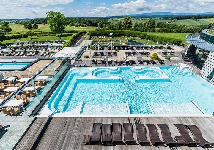 打卡妙趣泳池,这个夏日让你玩转清凉!